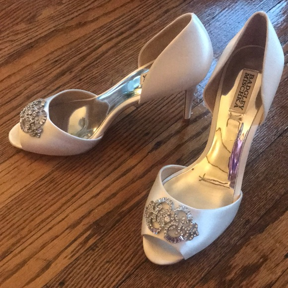 8f6038f6f90f NWT Badgley Mischka wedding heel shoes embellished